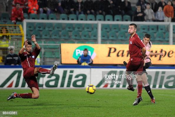 Igor Budan of Palermo scores the goal during the Tim Cup match between Palermo and Reggina at Stadio Renzo Barbera on November 26 2009 in Palermo...