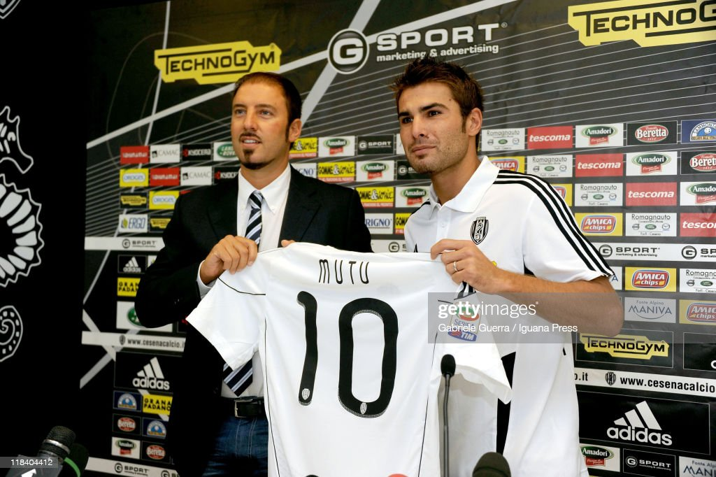 Igor Campedelli president of AC Cesena unveils <a gi-track='captionPersonalityLinkClicked' href=/galleries/search?phrase=Adrian+Mutu&family=editorial&specificpeople=211247 ng-click='$event.stopPropagation()'>Adrian Mutu</a> (R) as their new player during a press conference at Dino Manuzzi Stadium on July 7, 2011 in Cesena, Italy.