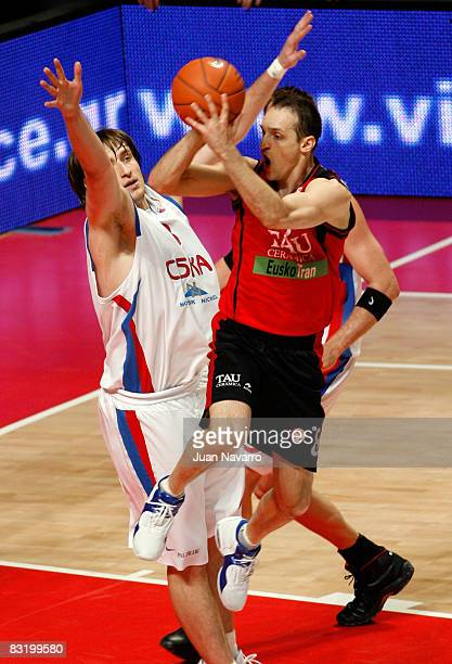 Igor Rakocevic of Tau Ceramica in action during the Euroleague Basketball Final Four game between Tau Ceramica vs CSKA Moscow at Palacio De Los...