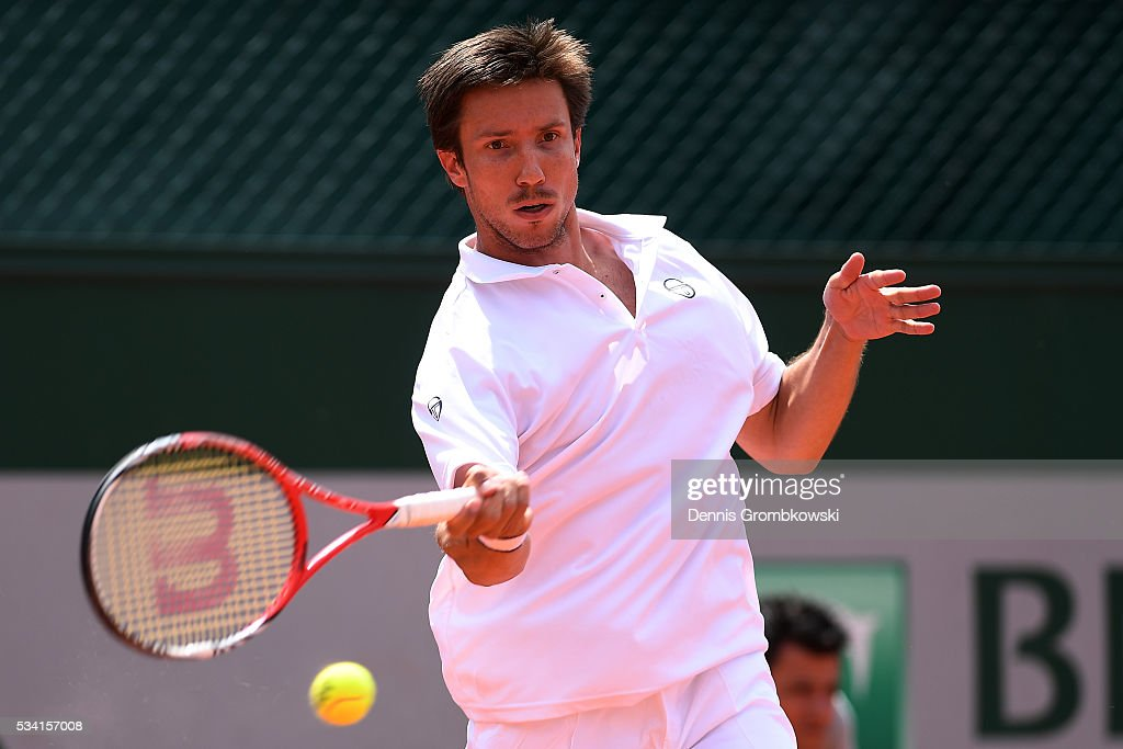 <a gi-track='captionPersonalityLinkClicked' href=/galleries/search?phrase=Igor+Sijsling&family=editorial&specificpeople=878881 ng-click='$event.stopPropagation()'>Igor Sijsling</a> of Netherlands hits a forehand during the Men's Singles second round match against Nick Kyrgios of Australia on day four of the 2016 French Open at Roland Garros on May 25, 2016 in Paris, France.