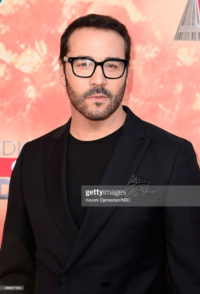 """NBC's """"2015 iHeartRadio Music Awards"""" - Arrivals Behind the Line"""