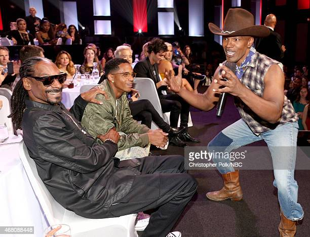 iHEARTRADIO MUSIC AWARDS Pictured Recording artist Snoop Dogg Cordell Broadus and host Jamie Foxx speak at the iHeartRadio Music Awards held at the...