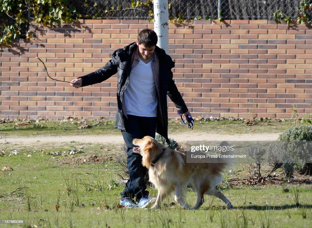<a gi-track='captionPersonalityLinkClicked' href=/galleries/search?phrase=Iker+Casillas&family=editorial&specificpeople=215446 ng-click='$event.stopPropagation()'>Iker Casillas</a> is seen with his pet dog on December 6, 2012 in Madrid, Spain.