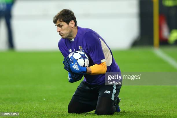 Iker Casillas of Porto during warm up before the UEFA Champions League Round of 16 second leg match between Juventus and FC Porto at Juventus Stadium...