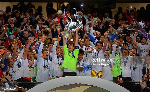 Iker Casillas of Real Madrid lifts the Champions League trophy during the UEFA Champions League Final between Real Madrid and Atletico de Madrid at...