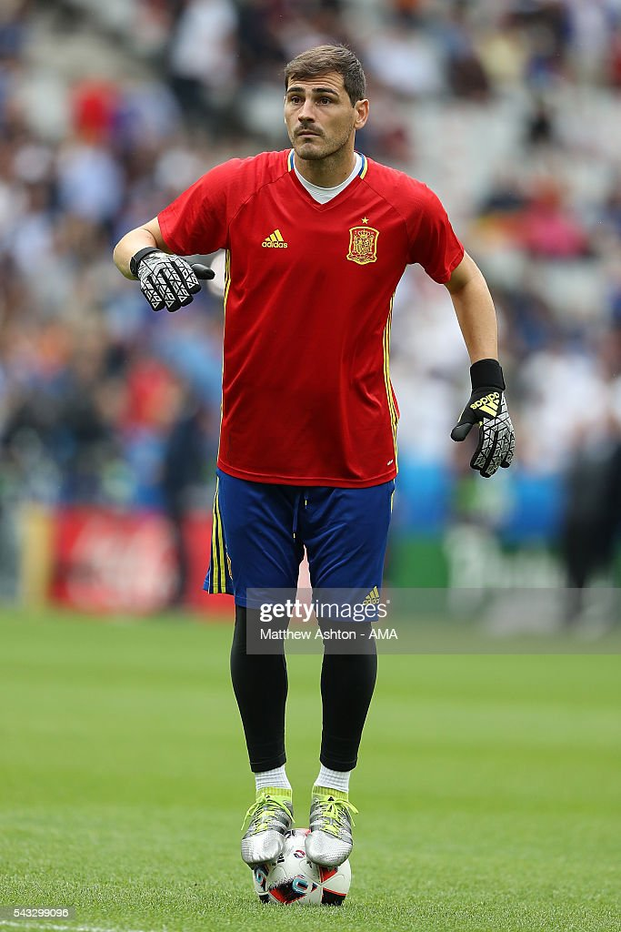 <a gi-track='captionPersonalityLinkClicked' href=/galleries/search?phrase=Iker+Casillas&family=editorial&specificpeople=215446 ng-click='$event.stopPropagation()'>Iker Casillas</a> of Spain balances on a ball prior to the UEFA Euro 2016 Round of 16 match between Italy and Spain at Stade de France on June 27, 2016 in Paris, France.