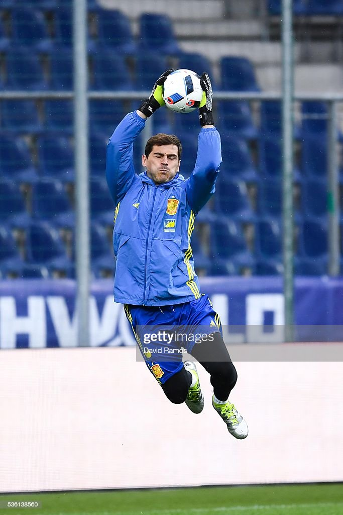 <a gi-track='captionPersonalityLinkClicked' href=/galleries/search?phrase=Iker+Casillas&family=editorial&specificpeople=215446 ng-click='$event.stopPropagation()'>Iker Casillas</a> of Spain in action during a training session at the Red Bull Arena stadium on May 31, 2016 in Salzburg, Austria.