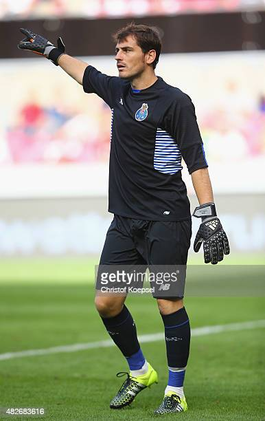 Iker Casillasof Porto issues instructions during the Colonia Cup 2015 match between FC Valencia and FC Porto at RheinEnergieStadion on August 1 2015...