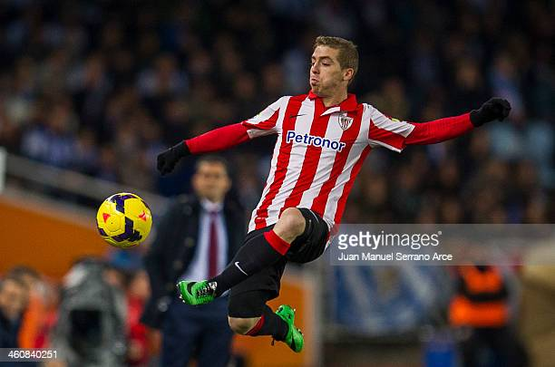 Iker Muniain of Athletic Club Bilbao controls the ball during the La Liga match between Real Sociedad de Futbol and Athletic Club Bilbao at Estadio...