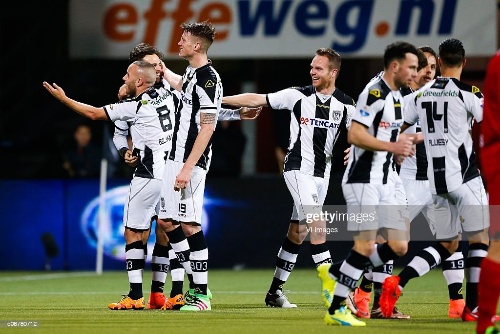 Iliass Bel Hassani of Heracles Almelo, JGonzalo Garcia of Heracles Almelo, Wout Weghorst of Heracles Almelo, Ramon Zomer of Heracles Almelo, Thomas Bruns of Heracles Almelo, Jaroslav Navratil of Heracles Almelo, Joey Pelupessy of Heracles Almelo during the Dutch Eredivisie match between Heracles Almelo and PEC Zwolle at Polman stadium on February 06, 2016 in Almelo, The Netherlands