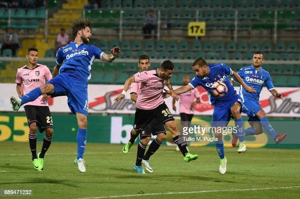 Ilija Nestorovski of Palermo scores the opening goal during the Serie A match between US Citta di Palermo and Empoli FC at Stadio Renzo Barbera on...