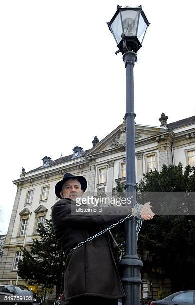 Ilja Richter bei der Aktion Rettung der Gaslaterne am Amtsgerichtsplatz Charlottenburg
