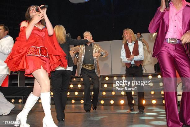 Ilja Richter Isobel Davies Mitglieder 'Night Fever Sally Carr Premiere Tournee zum 40jährigen Jubiläum der ZDFKultShow 'Disco' 'Circus Krone'Bau...