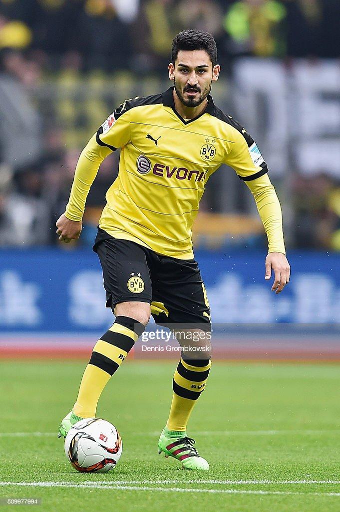 Ilkay Guendogan of Borussia Dortmund controls the ball during the Bundesliga match between Borussia Dortmund and Hannover 96 at Signal Iduna Park on February 13, 2016 in Dortmund, Germany.