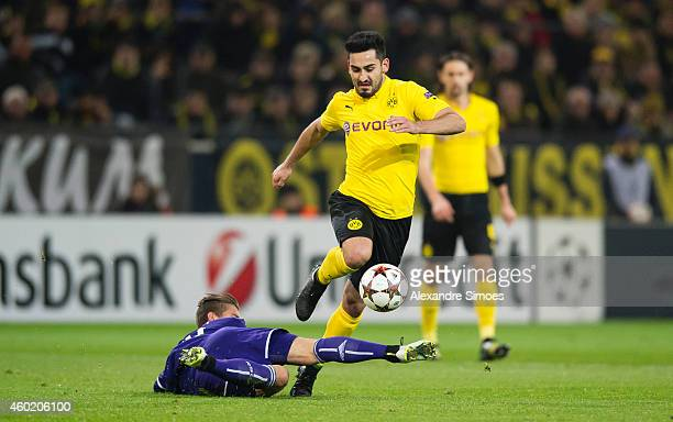 Ilkay Guendogan of Dortmund challenges Dennis Praet of Anderlecht during the UEFA Champions League first round in group D between RSC Anderlecht and...