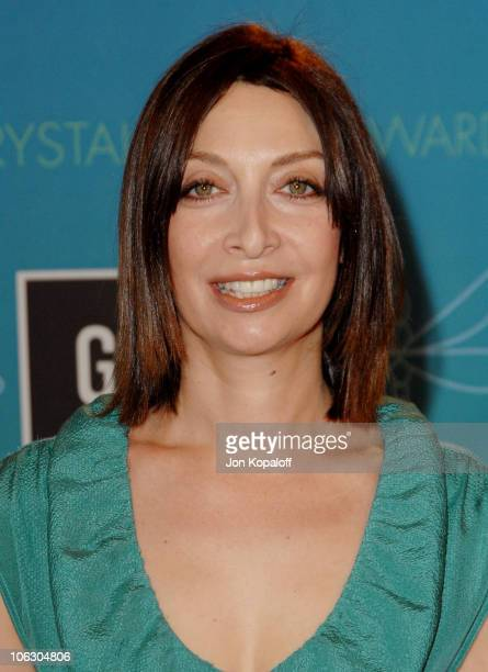 Illeana Douglas during 2007 Women in Film Crystal Lucy Awards Arrivals at The Beverly Hilton Hotel in Beverly Hills California United States