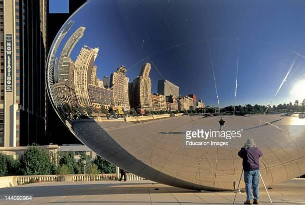 Illinois Chicago Millennium Park Kapoor Sculpture 'Cloud Gate' Reflection Michigan Avenue Buildings