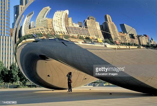 Illinois Chicago Millennium Park Kapoor Sculpture 'Cloudd Gate' Reflection Michigan Avenue Buildings