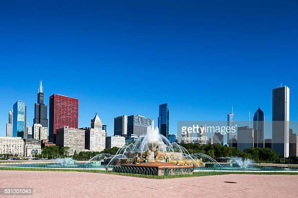USA, Illinois, Chicago, Millennium Park with Buckingham Fountain