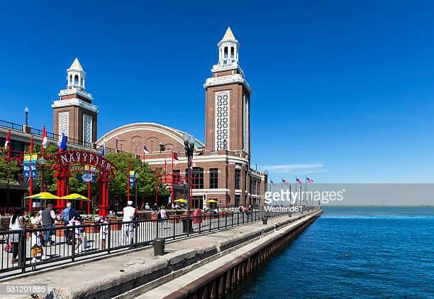 USA, Illinois, Chicago, Navy Pier at Lake Michigan