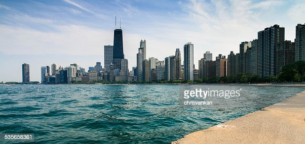 USA, Illinois, Chicago skyline from Lincoln park