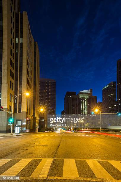 USA, Illinois, Chicago, skyscrapers in downtown at night