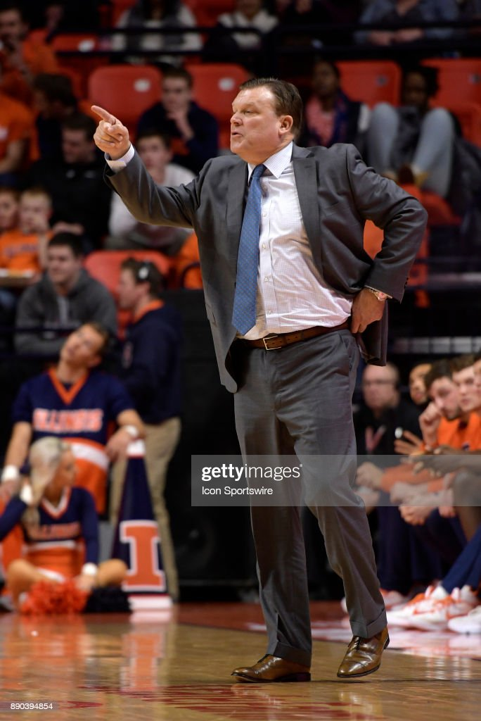 Illinois Fighting Illini Head Coach Brad Underwood points out orders during the college basketball game between the Austin Peay Governors and the Illinois Fighting Illini on December 6, 2017, at the State Farm Center in Champaign, Illinois.
