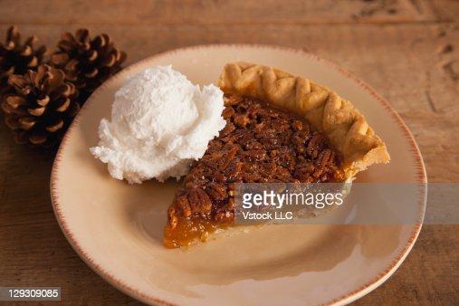 Usa Illinois Metamora Piece Of Pecan Pie With Icecream ...