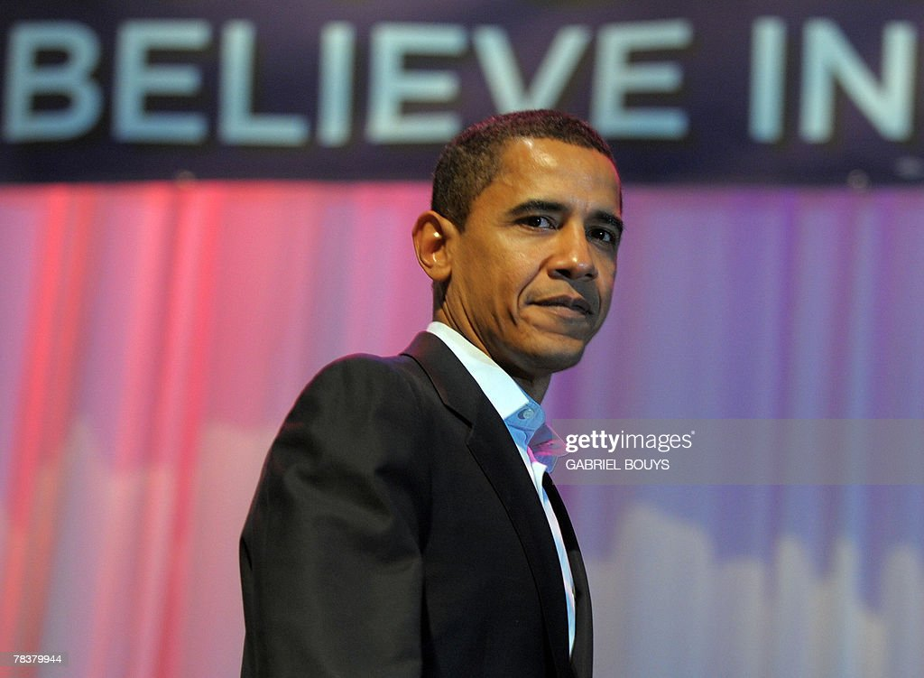 Illinois Senator and Democratic presidential candidate Barack Obama speaks during the 'Generation Obama' concert at the Gibson Theatre in Universal City, California, 10 December 2007. Polls show a tightening race between Obama and New York Senator Hillary Clinton.