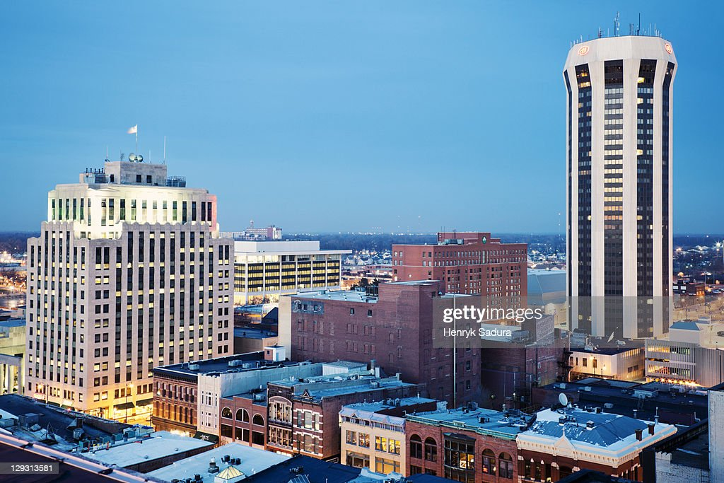 USA, Illinois, Springfield, Skyline at evening