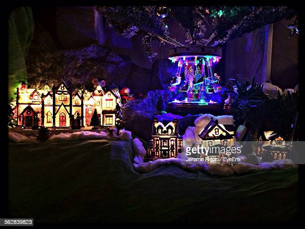 Illuminated Christmas Decoration Sculptures And Statues