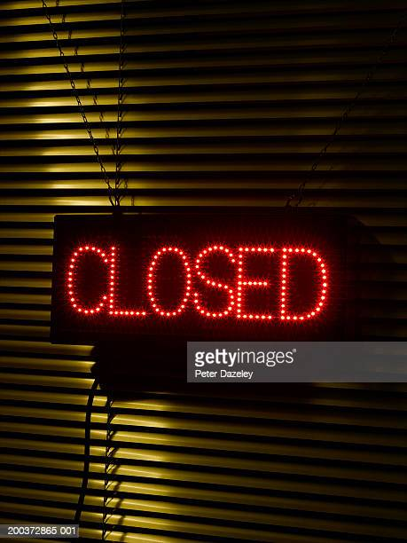 Illuminated 'closed' sign