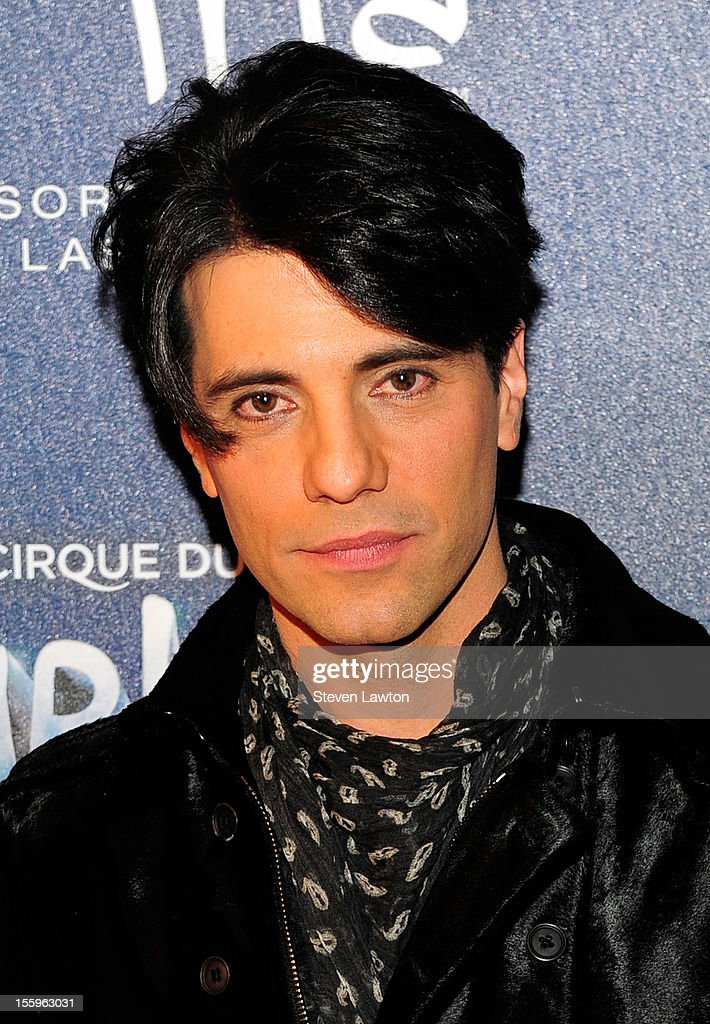 Illusionist <a gi-track='captionPersonalityLinkClicked' href=/galleries/search?phrase=Criss+Angel&family=editorial&specificpeople=547779 ng-click='$event.stopPropagation()'>Criss Angel</a> arrives at the Las Vegas premiere of 'Zarkana by Cirque du Soleil' at the Aria Resort & Casino at CityCenter on November 9, 2012 in Las Vegas, Nevada.
