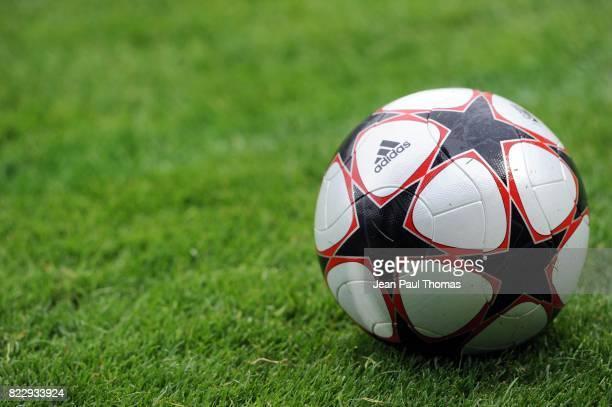 Illustration Ballon Lyon / AZ 16eme finale Champions LEague Feminine Stade de Gerland Lyon