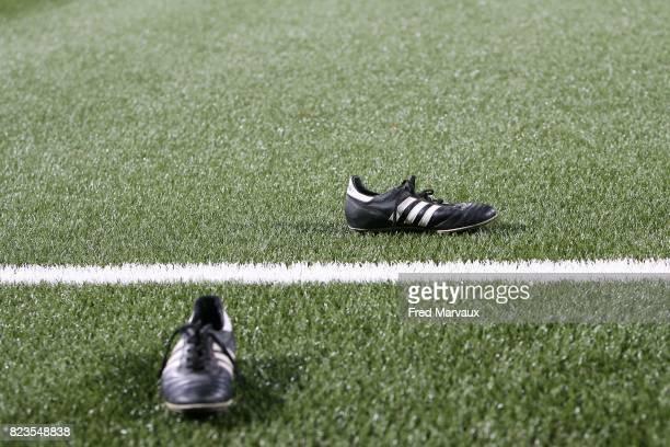 Illustration chaussures Adidas terrain synthetique Nancy / Saint Sochaux 17eme journee de Ligue 1