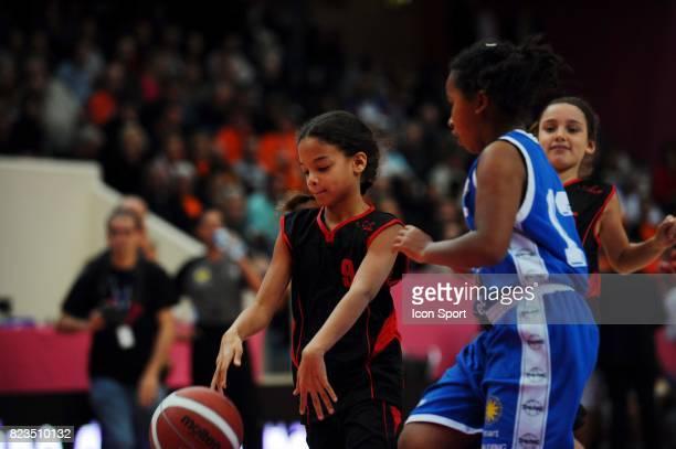 Illustration Enfant jouant au Basketball Nantes / Montpellier Open LFB Stade Pierre de Coubertin Paris