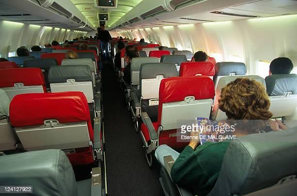 Illustration Life in flight In France In January 1998 Inside Boeing 737300 cabin