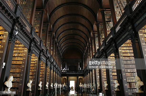 Illustration picture shows the library of the Trinity college 09 October 2007 during Belgium's King Albert and Queen Paola's official state visit to...