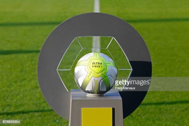 Illustration Uhlsport Elysia official ball of Ligue 1 during the Ligue 1 match between Metz and EA Guingamp on August 5 2017 at Stade Symphorien in...
