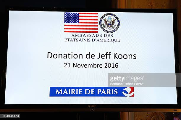 Illustration vie during the Press conference announcing a donation by artist Jeff Koons who offers the 'Bouquet of Tulips' to the City of Paris The...