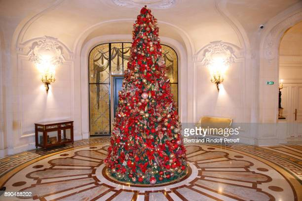 Illustration view of Christmas Tree at the 'ShangriLa Hotel Paris' during Indian millionaire Sudha Reddy gives 135000 Euros to the 'Action Contre La...