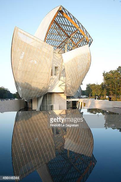 Illustration view of the Louis Vuitton Foundation during the Louis Vuitton show as part of the Paris Fashion Week Womenswear Spring/Summer 2015 on...