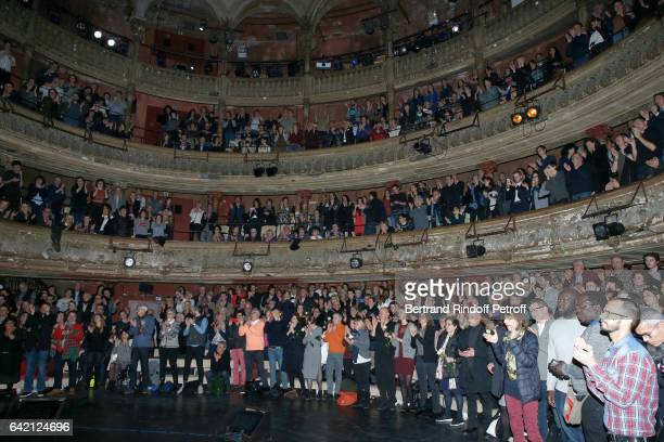 Illustration view of the public during Gerard Depardieu sings Barbara accompanied on the piano of Barbara by Gerard Daguere who was his Pianist for...
