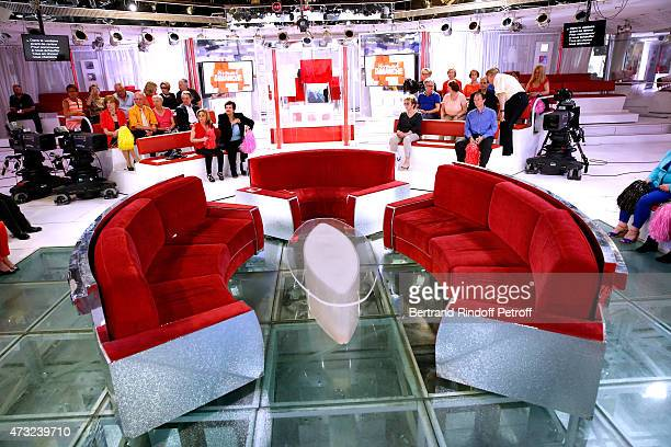 Illustration view of the red settee during the 'Vivement Dimanche' French TV Show at Pavillon Gabriel on May 13 2015 in Paris France