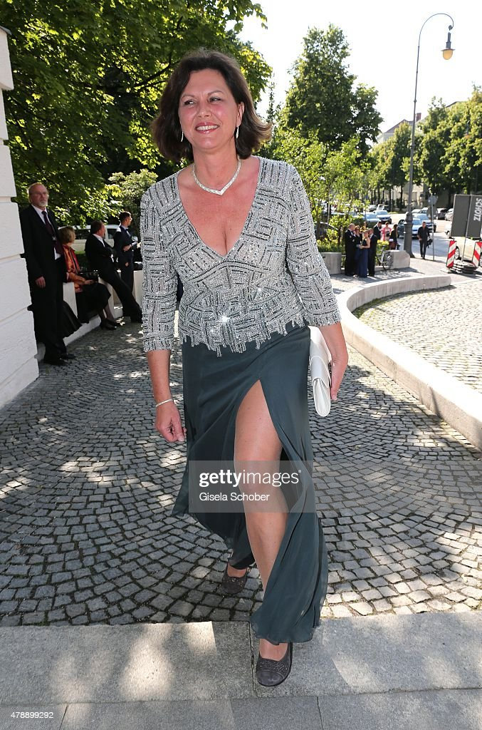 <a gi-track='captionPersonalityLinkClicked' href=/galleries/search?phrase=Ilse+Aigner&family=editorial&specificpeople=2158567 ng-click='$event.stopPropagation()'>Ilse Aigner</a> during the premiere of the opera 'Pelleas et Melisande' at Prinzregententheater on June 28, 2015 in Munich, Germany.