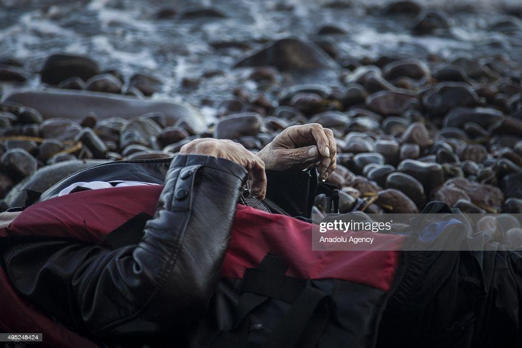 Unos 890 migrantes y refugiados murieron en los últimos diez días tras varios naufragios en el mar Mediterráneo, informó hoy la Federación Internacional de la Cruz Roja y de la Media Luna Roja