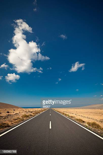 Image of a highway on a sunny day