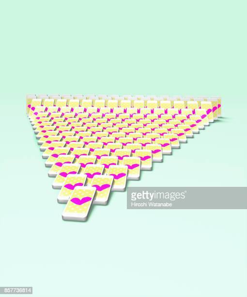 SNS image of smartphone Domino with heart