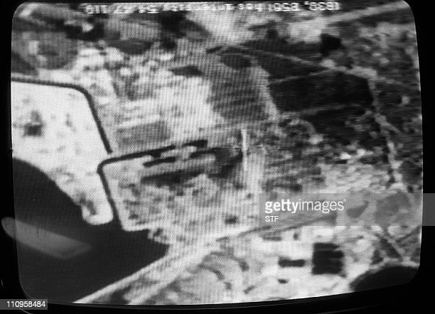 image transmise par la télévision française d'une vue prise par un satellite américain le 30 avril 1986 de la région autour de la centrale nucléaire...