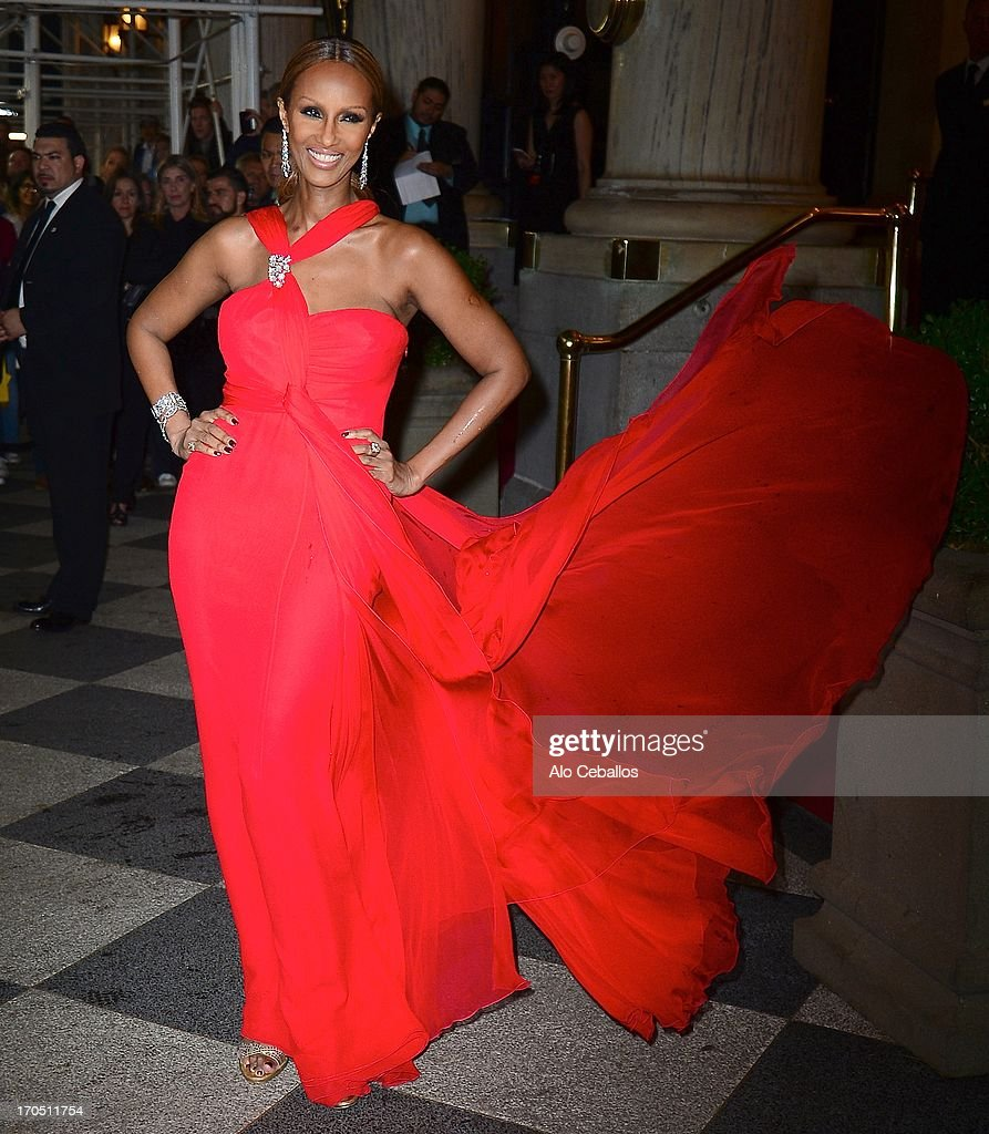 <a gi-track='captionPersonalityLinkClicked' href=/galleries/search?phrase=Iman+-+Fashion+Model&family=editorial&specificpeople=132463 ng-click='$event.stopPropagation()'>Iman</a> arrives the 4th Annual amfAR Inspiration Gala New York at The Plaza Hotel on June 13, 2013 in New York City.